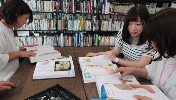 図書室で勉強会③