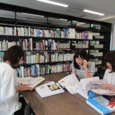 図書室で勉強会②